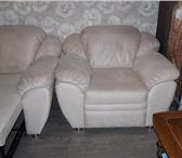 Foto в Мебель и интерьер Мягкая мебель Продаю мягкую мебель диван и кресло б/у 2 в Пензе 25500