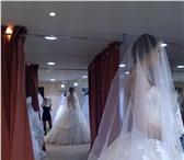 Фото в Одежда и обувь Свадебные платья свадебное платье новое не разу не одевала в Екатеринбурге 22000