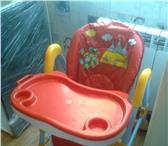 Фото в Для детей Детская мебель Стул для кормления на колесиках, красно-белого в Сочи 2850