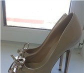 Foto в Одежда и обувь Женская обувь Продам туфли с открытым мыском и металлическими в Хабаровске 1500